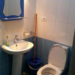 Отель Albanian Happines Guesthouse ванная фото 2