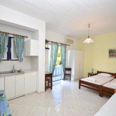 Отель Yiannis Studios комната для гостей фото 5