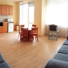 Апартаменты Sunny Fort Apartment Солнечный берег комната для гостей фото 4