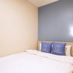 Отель K-guesthouse Sinchon 2 2* Стандартный номер с различными типами кроватей фото 8