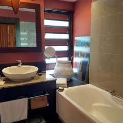 Отель Duplex Poerava by Tahiti Homes ванная