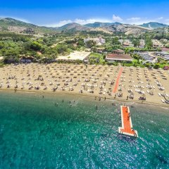 Hanedan Beach Hotel Турция, Фоча - отзывы, цены и фото номеров - забронировать отель Hanedan Beach Hotel онлайн пляж