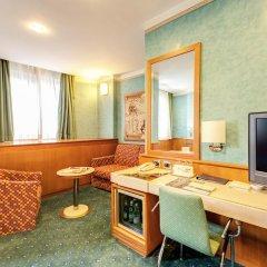 Brunelleschi Hotel 4* Улучшенный номер с различными типами кроватей фото 3