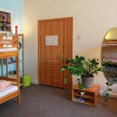 Мир Хостел Кровать в женском общем номере двухъярусные кровати фото 3