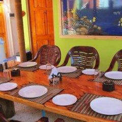 Отель Guraidhoo Corner Tourist House Мальдивы, Северный атолл Мале - отзывы, цены и фото номеров - забронировать отель Guraidhoo Corner Tourist House онлайн питание