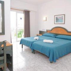 Отель Hostal Rosalia Стандартный номер с различными типами кроватей фото 5