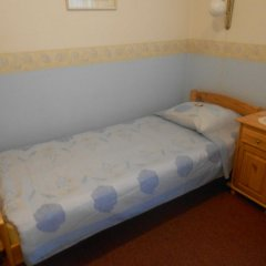 Отель Poska Villa Guesthouse Стандартный номер с разными типами кроватей фото 4