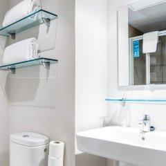 Отель Vertice Roomspace Madrid 3* Стандартный номер с различными типами кроватей фото 9