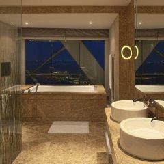 Отель Andaz Capital Gate Abu Dhabi - A Concept By Hyatt 5* Представительский люкс фото 3