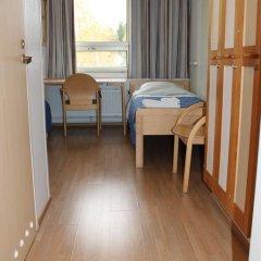 Отель Tikkurila Финляндия, Вантаа - отзывы, цены и фото номеров - забронировать отель Tikkurila онлайн комната для гостей фото 2