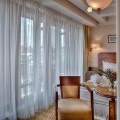 Hotel Majestic Plaza 4* Улучшенный номер с различными типами кроватей фото 3
