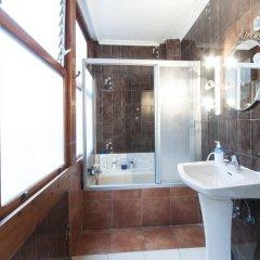 Отель Pension Iberia Стандартный номер с двуспальной кроватью (общая ванная комната)