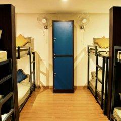 goStops Delhi (Stops Hostel Delhi) Кровать в общем номере с двухъярусной кроватью фото 7
