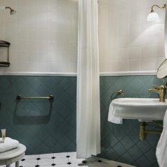 Отель Hôtel de Neuve Le Marais by Happyculture 3* Стандартный номер с двуспальной кроватью фото 8