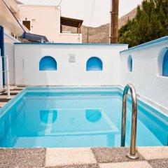 Отель Studio Maria Kafouros Греция, Остров Санторини - отзывы, цены и фото номеров - забронировать отель Studio Maria Kafouros онлайн бассейн фото 3