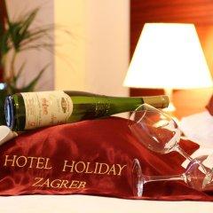 Hotel Holiday Zagreb 3* Стандартный семейный номер с двуспальной кроватью