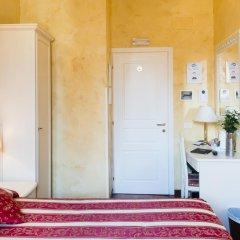 Отель Domus Trevi 3* Стандартный номер с различными типами кроватей фото 8