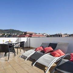 Отель Sarria Attic Испания, Барселона - отзывы, цены и фото номеров - забронировать отель Sarria Attic онлайн бассейн фото 2