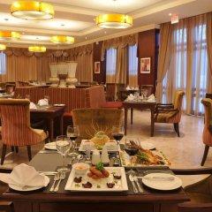 Отель Radisson Hotel, Lagos Ikeja Нигерия, Лагос - отзывы, цены и фото номеров - забронировать отель Radisson Hotel, Lagos Ikeja онлайн питание фото 2