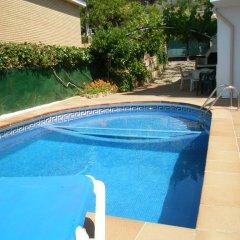 Отель Villa Juliana Испания, Бланес - отзывы, цены и фото номеров - забронировать отель Villa Juliana онлайн бассейн фото 3