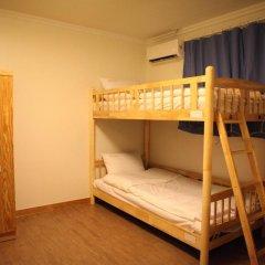 Отель Atti Guesthouse 2* Кровать в мужском общем номере с двухъярусной кроватью