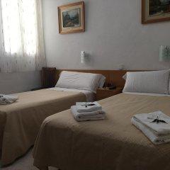 Отель Hostal Residencia Lido Стандартный номер с различными типами кроватей фото 2