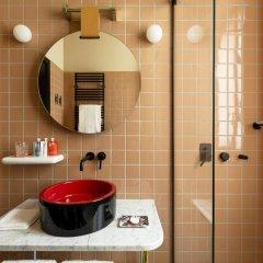 Отель Room Mate Giulia Стандартный номер с различными типами кроватей фото 2