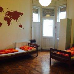 Boomerang Hostel and Apartments Стандартный номер с различными типами кроватей (общая ванная комната)