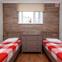 Хостел Кукуруза Стандартный семейный номер с разными типами кроватей (общая ванная комната) фото 6