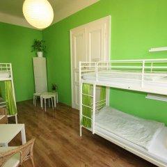 Adam&eva Hostel Prague Кровать в общем номере фото 7