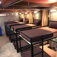 The Alley Hostel & Bistro Кровать в общем номере с двухъярусной кроватью