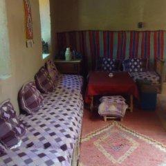 Отель Riad Tagmadart Ferme D'hôte Марокко, Загора - отзывы, цены и фото номеров - забронировать отель Riad Tagmadart Ferme D'hôte онлайн балкон