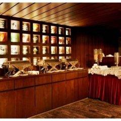 Hotel The Golden Oak Raipur интерьер отеля
