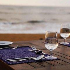 Отель Blue Beach Шри-Ланка, Ваддува - отзывы, цены и фото номеров - забронировать отель Blue Beach онлайн интерьер отеля фото 3