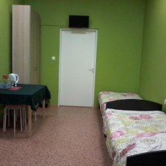 White Nights Hostel Стандартный семейный номер с различными типами кроватей фото 5