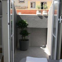 Отель Flores Guest House 4* Улучшенный номер с различными типами кроватей фото 22