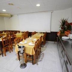 Отель Hostal Los Manos Испания, Бланес - отзывы, цены и фото номеров - забронировать отель Hostal Los Manos онлайн питание