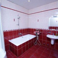 Гостиница Лира в Саратове отзывы, цены и фото номеров - забронировать гостиницу Лира онлайн Саратов ванная фото 2