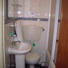 Отель Pensao Residencial Camoes 2* Стандартный номер с различными типами кроватей фото 10