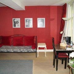 Отель B&B Next Door 4* Люкс с различными типами кроватей фото 14