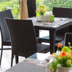 Отель Golden Tulip Essential Pattaya 4* Улучшенный номер с различными типами кроватей фото 15