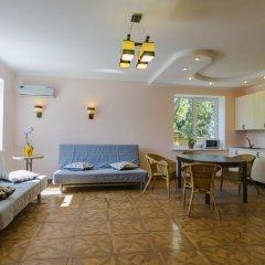 Гостевой дом Лорис комната для гостей фото 5