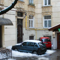 Апартаменты Central Apartments Львов парковка