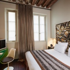 Отель Hôtel du Petit Moulin 4* Номер Делюкс с различными типами кроватей фото 7