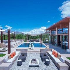 Shangri La Hotel Lhasa бассейн