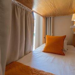 Passport Lisbon Hostel 2* Кровать в общем номере фото 10