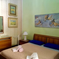 Отель B&B Regina Elena Номер с общей ванной комнатой с различными типами кроватей (общая ванная комната) фото 6