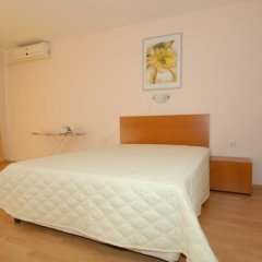Отель Green Fort Noks Apartments Болгария, Солнечный берег - отзывы, цены и фото номеров - забронировать отель Green Fort Noks Apartments онлайн комната для гостей