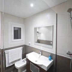 Отель Chic Aribau Барселона ванная фото 2