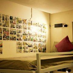 goStops Delhi (Stops Hostel Delhi) Кровать в общем номере с двухъярусной кроватью фото 2